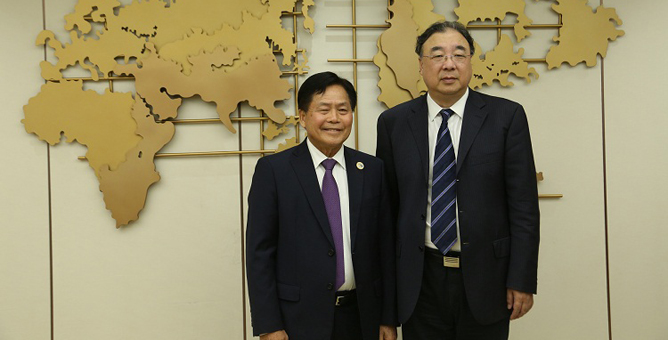 NHC minister meets with his counterpart in Laos